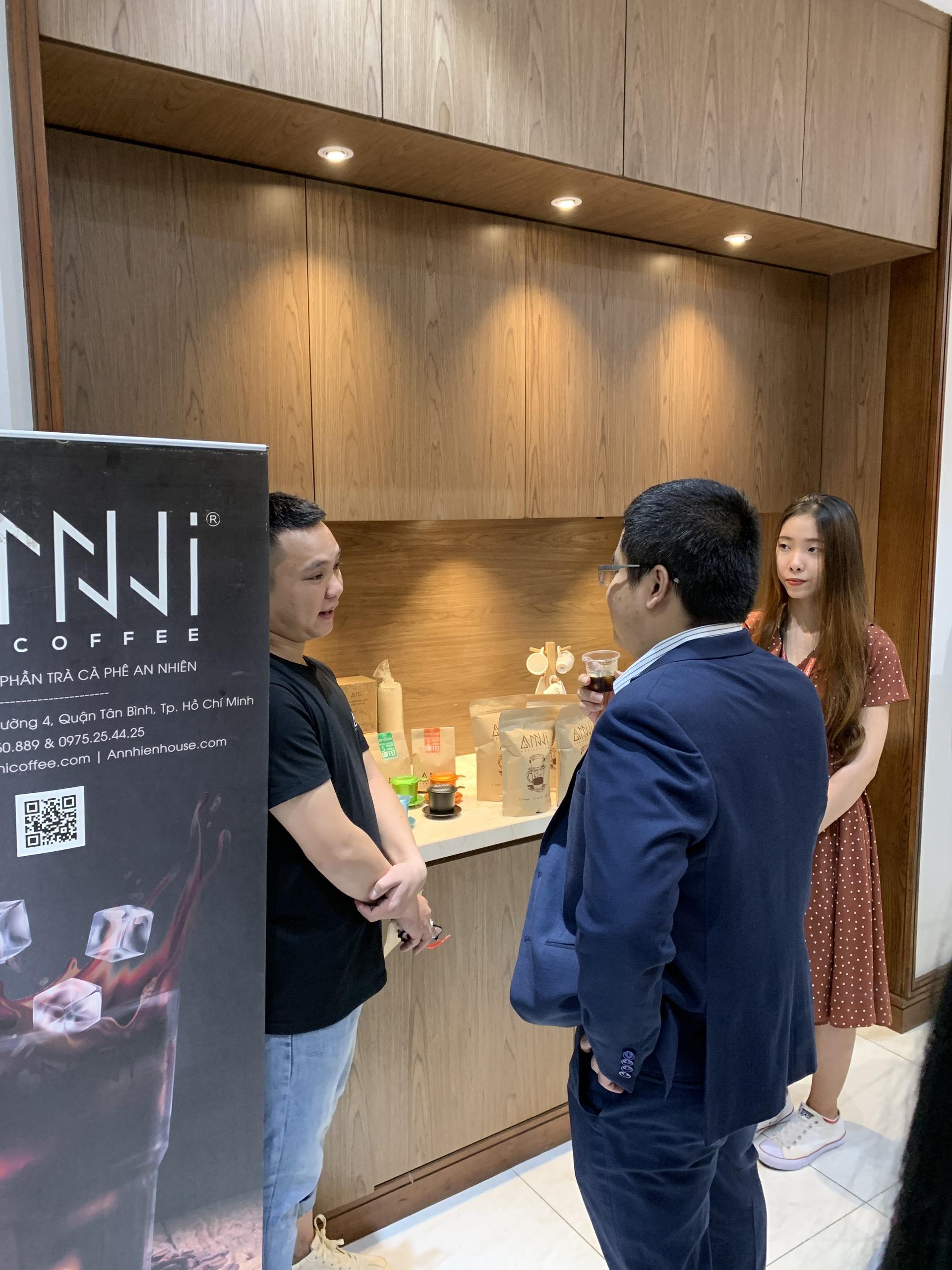 Anni Coffee giới thiệu sản phẩm tại buổi hội thảo